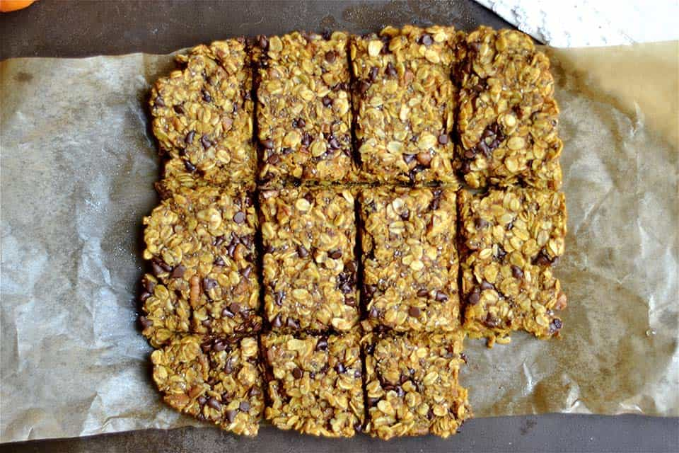 pumpkin-chocolate-chip-granola-bars-4