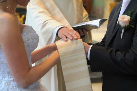 160613-irrate-priest-cyprus-wedding-feature