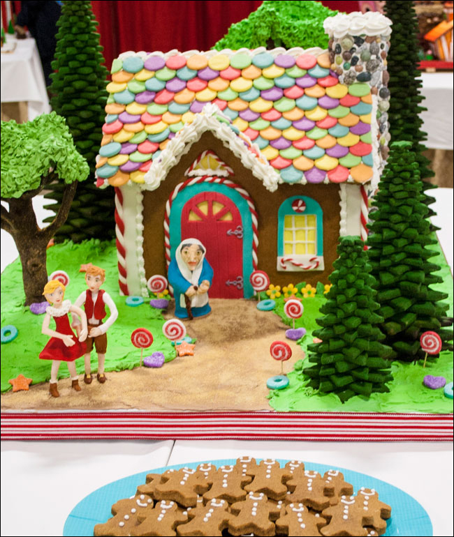 3d Roof Wallpaper Hansel And Gretel Gingerbread House