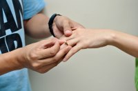 How to Give a Promise Ring (with Pictures) - wikiHow