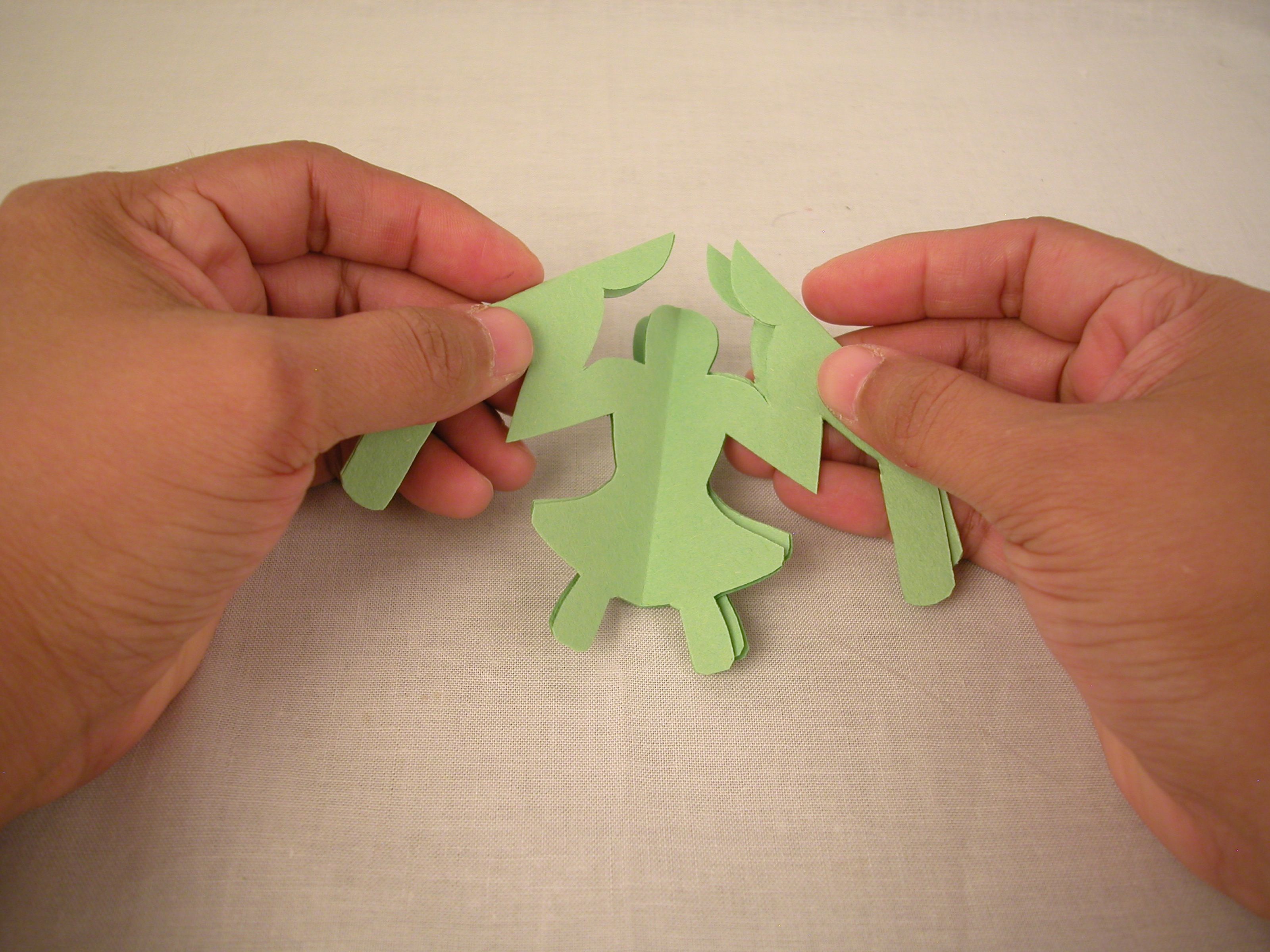 How To Make A Circle Of Paper Chain People 6 Steps