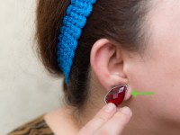 3 Ways to Make Fake Earrings - wikiHow