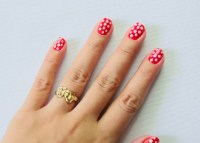 How to Paint Polka Dot Nails with a Toothpick: 9 Steps