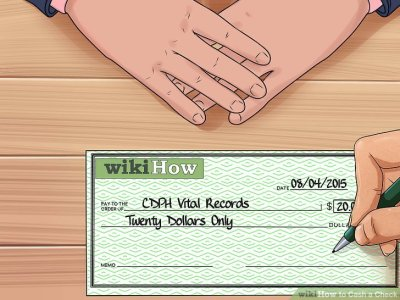 3 Ways to Cash a Check - wikiHow