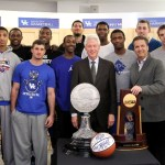 Bill Clinton with the team (photo by Chet White, UK Athletics)