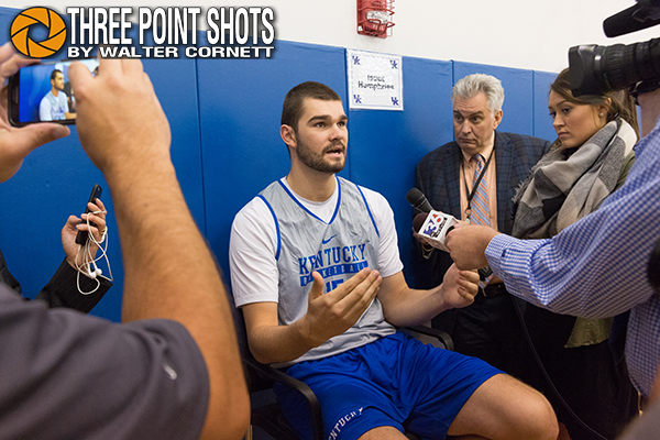 What's up with Isaac Humphries knee?