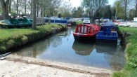 Lechlade, River Thames Good slipway,plenty of room £15.00 slipway fee plus parking at £3.00 per day. See phone number