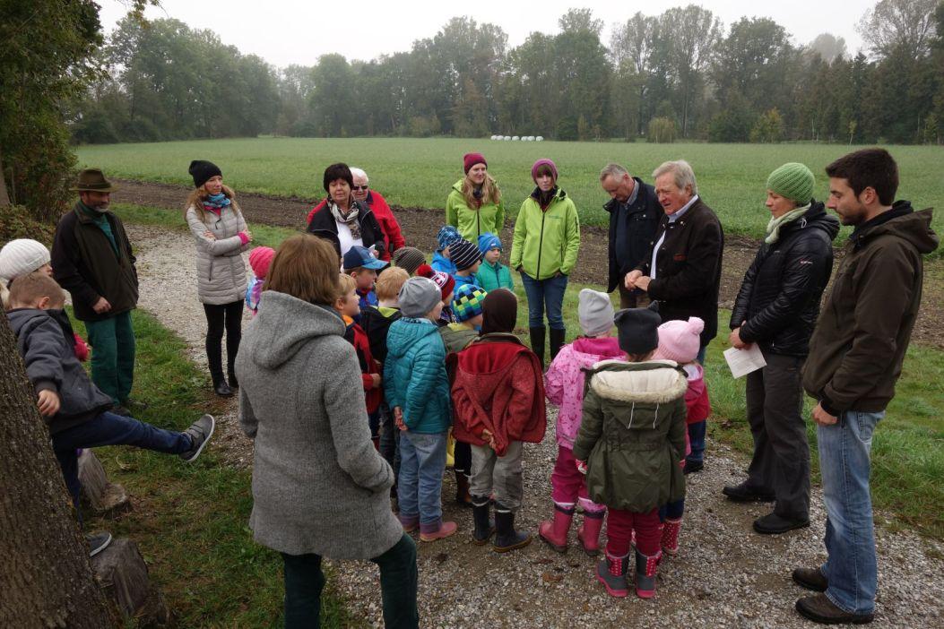 Begrüßung der Schulklasse durch Bürgermeister Dr. Dürner