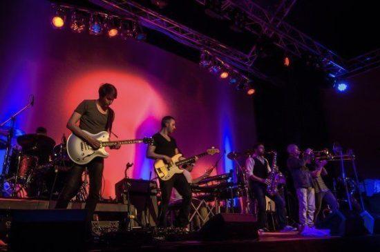 Die TV Total-Bigband Heavytones im Theaterstübchen!