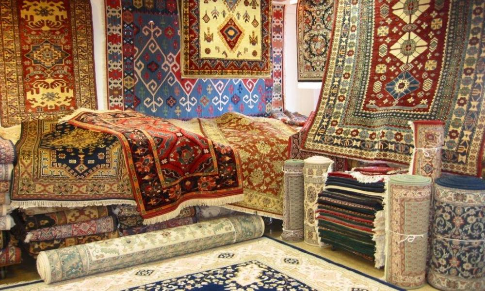 Buy Carpets & Rugs Online Shopping. Buy carpets online and soothe your eyes with a new look of the place. Welcome to our online store and make a difference to your dwelling. The entire décor of the house is mostly dependent upon the base flooring.