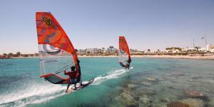 1_Hurghada_windsurfing_holiday_red_sea_HN_Beach_View_800x534