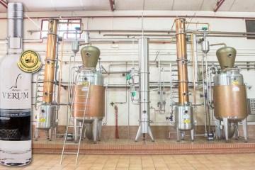 aguardiente-sb-con-aparato-de-destilacion