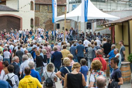 Nachlese beim Guntersblumer Kellerweg-Fest