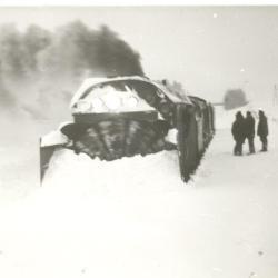 Eine Schneefräse, die von einer V 100 angetrieben wurde und extra aus Thüringen gekommen ist.