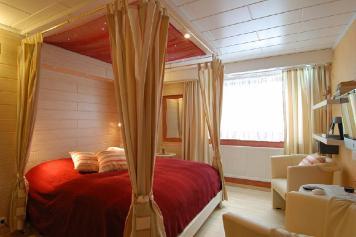 Wirtzfeld Valley Bedroom b11