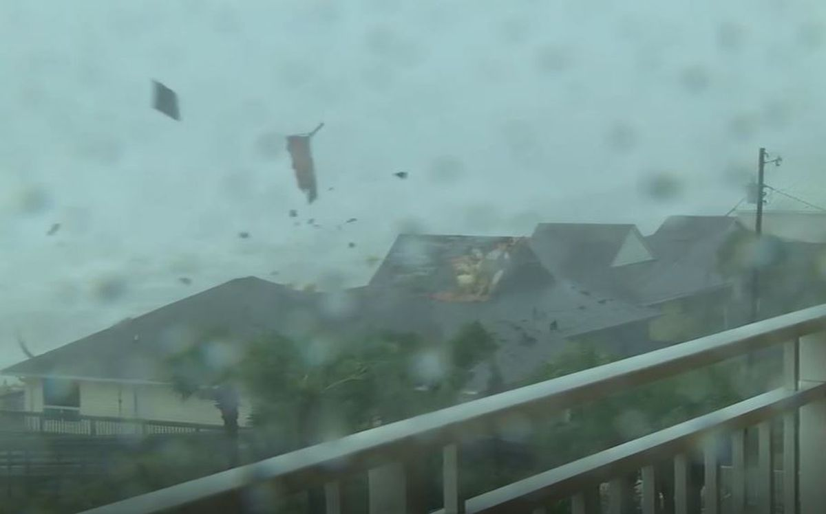 Video Roof Peels Off Panama City Beach Home During