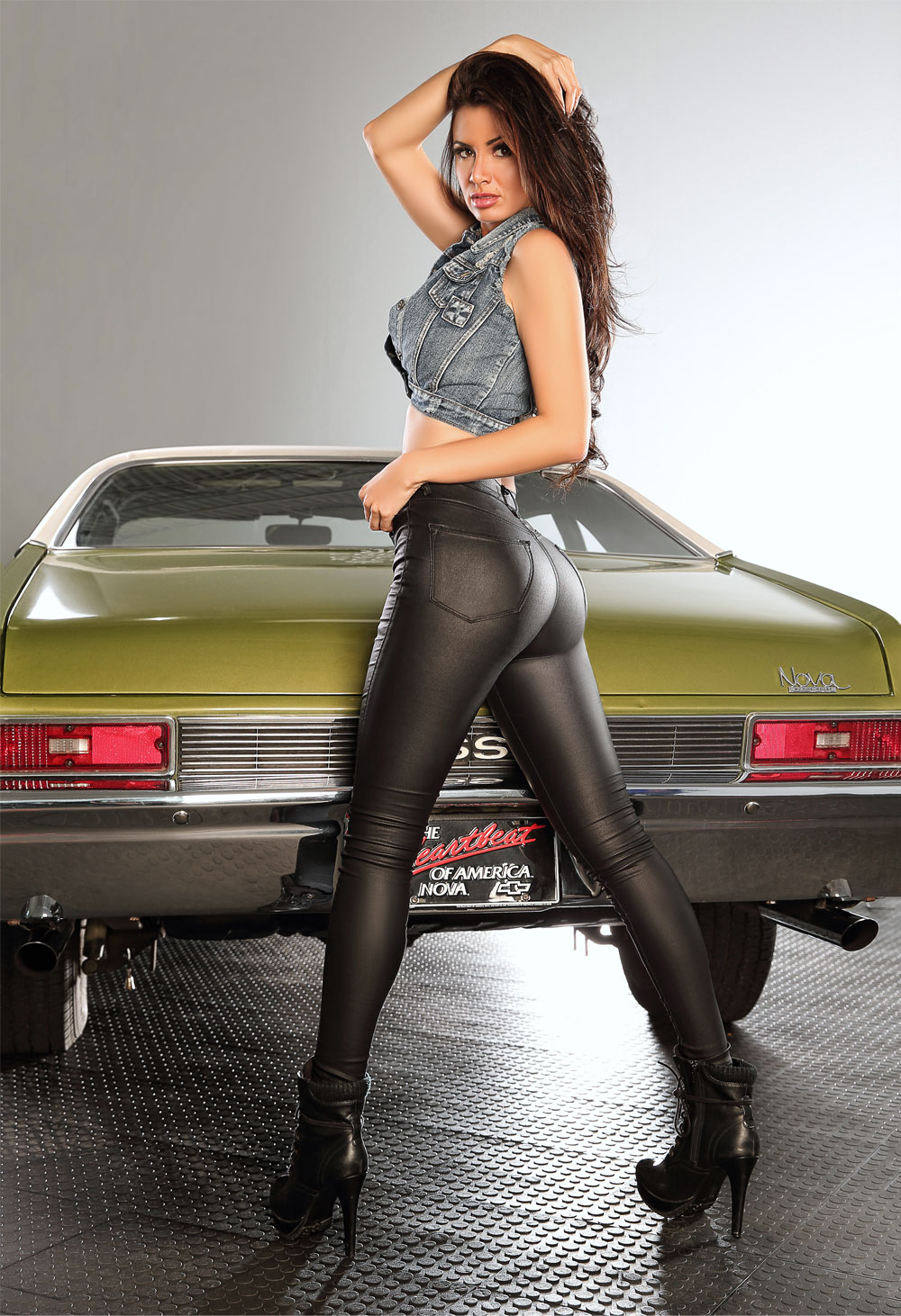 Corvette Girl Wallpaper 4 Awesome Muscle Cars 1 Beautiful Rock Girl 97 9 The