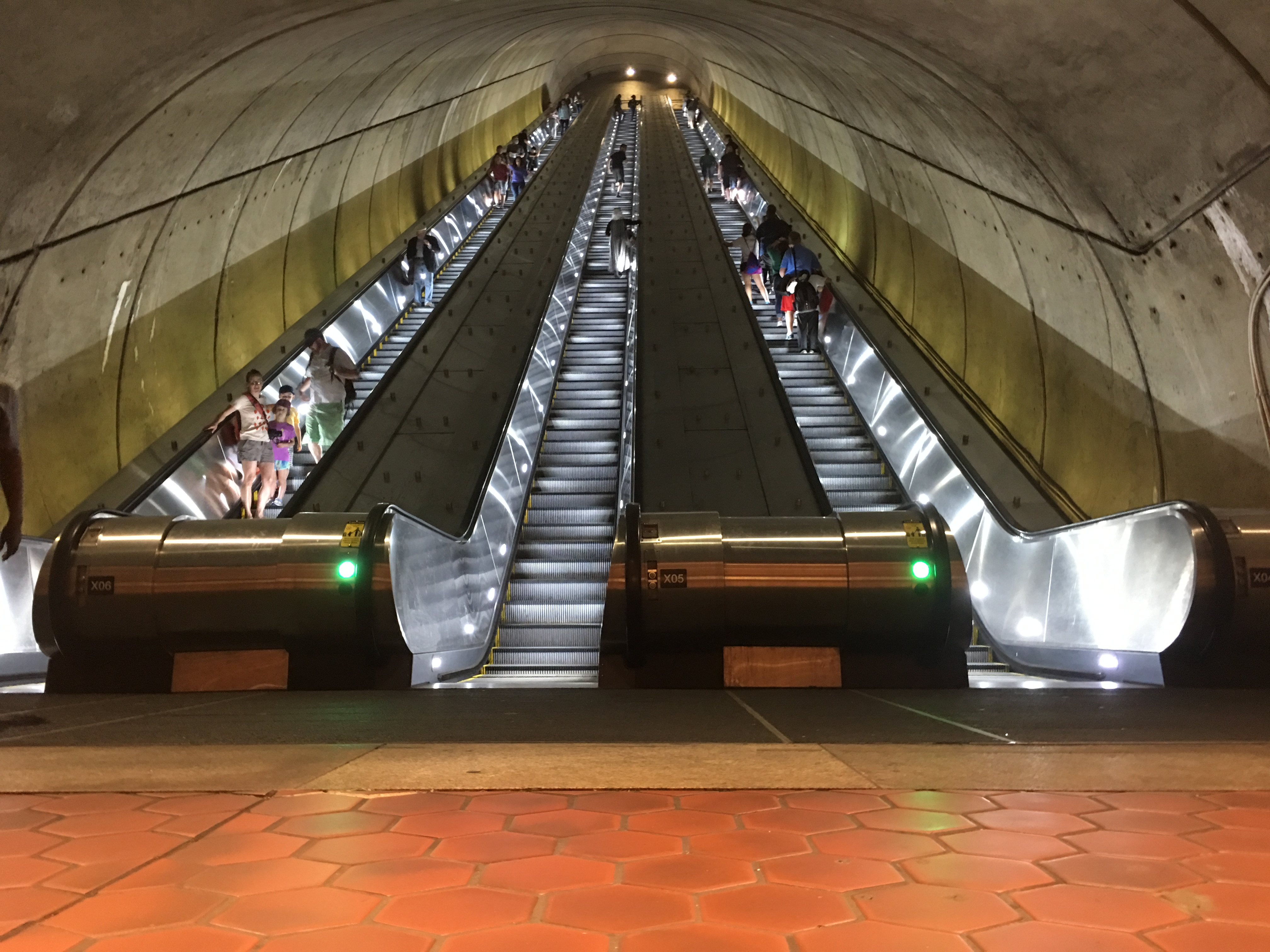 Metro Completes Escalator Replacement Project At Woodley