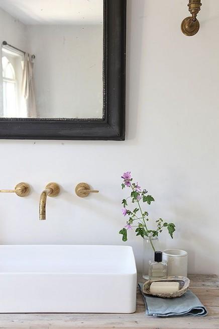 Einbau Hahn im Badezimmer Wohnideen einrichten - badezimmer einbau