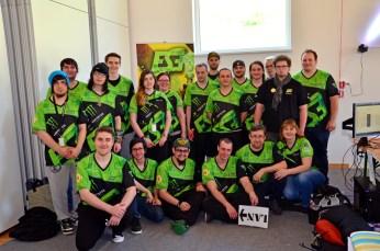 Mannschaft auf der Fraghouse-LAN