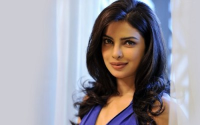 Priyanka Chopra-top10s.biz-Top 10 Beautiful Bollywood Queens Actress