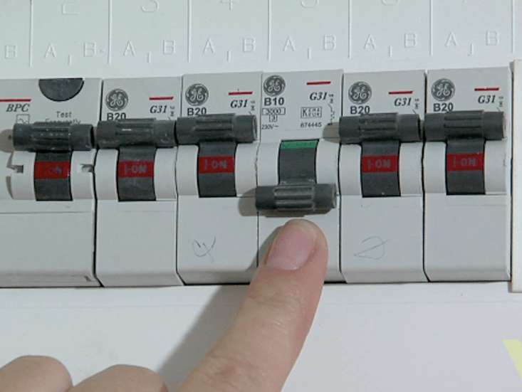 Fuse Box Switch - Wiring Diagram Schematic