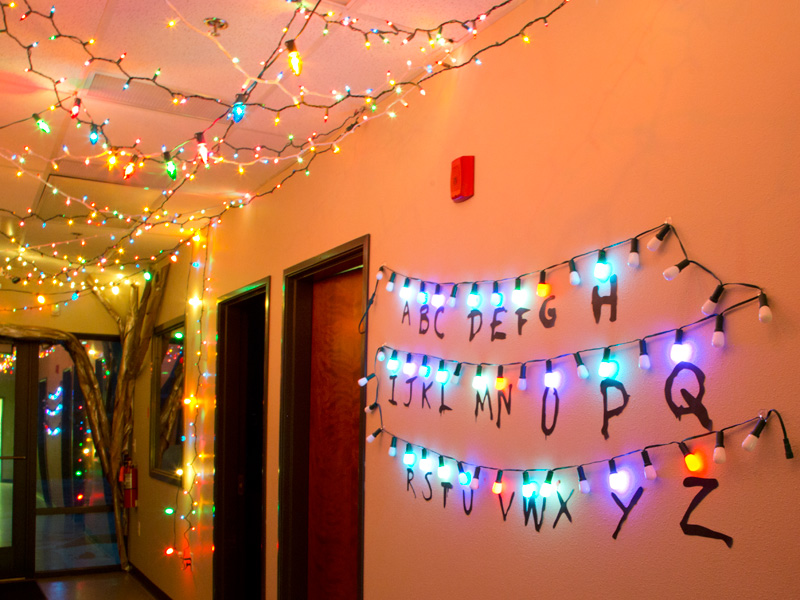 Power Pop Girl Wallpaper How To Make A Stranger Things Alphabet Sign With Lights