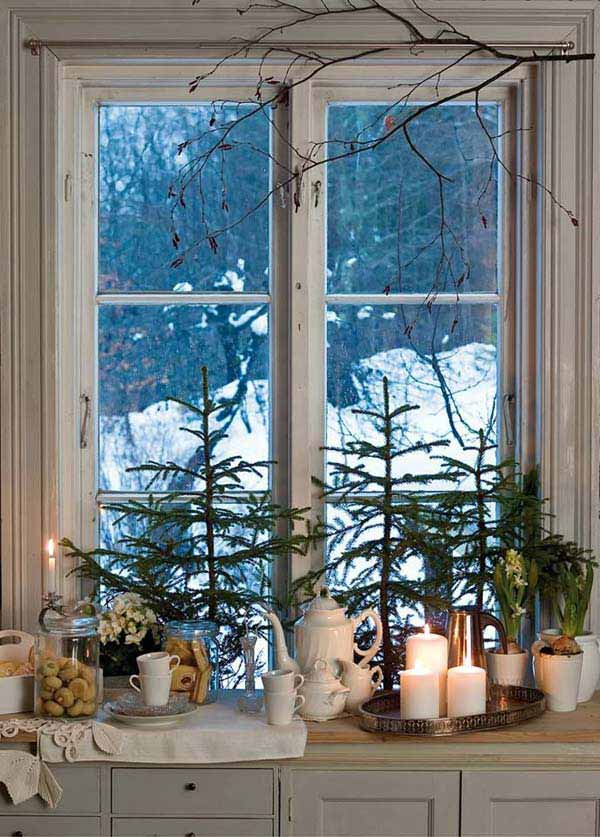 Top 30 Most Fascinating Christmas Windows Decorating Ideas