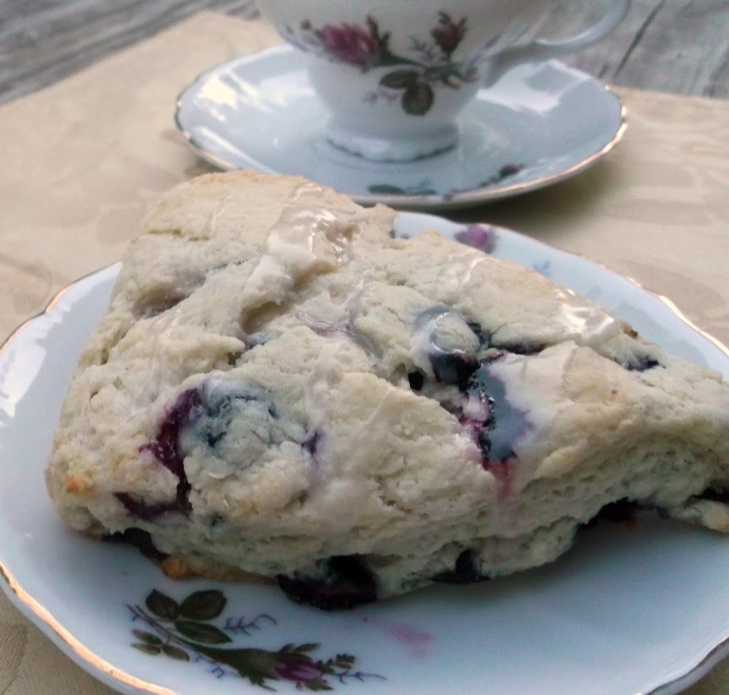 Buttermilk-Blueberry Scones with Lemon Glaze (Adapted form myrecipe ...