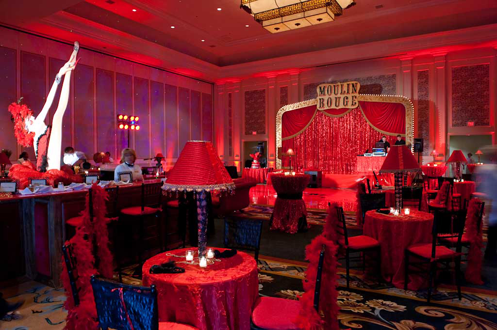 Themed venue styling and decor ideas for fancy dress parties for Decoration rouge