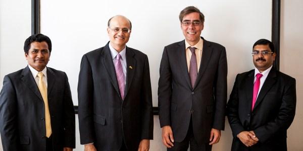 Der Botschafter von Indien (2.v.l.) zu Gast in München