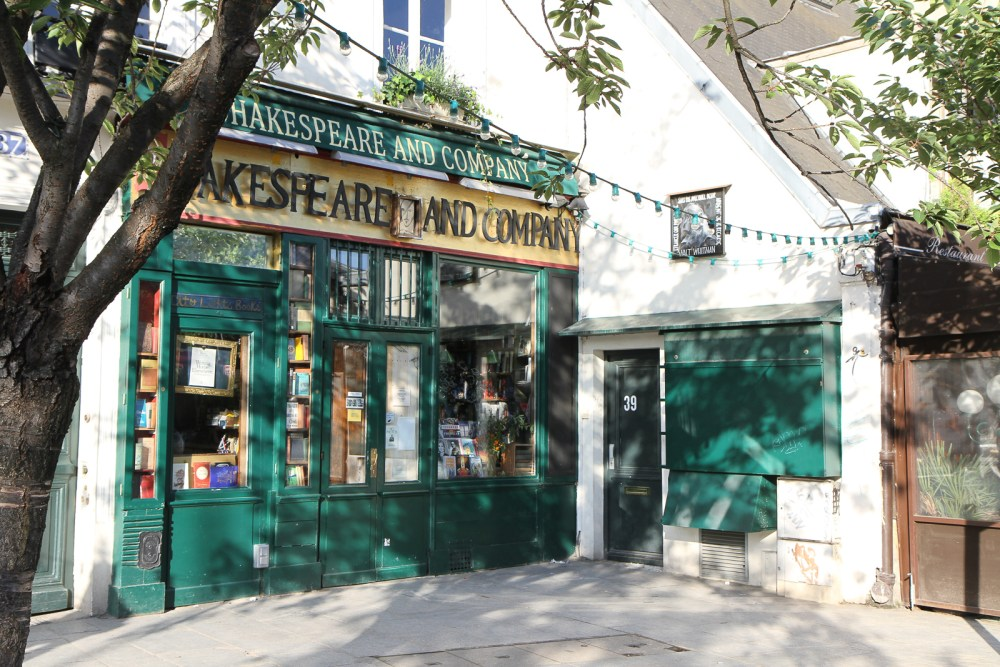 Shakespeare and Co-1