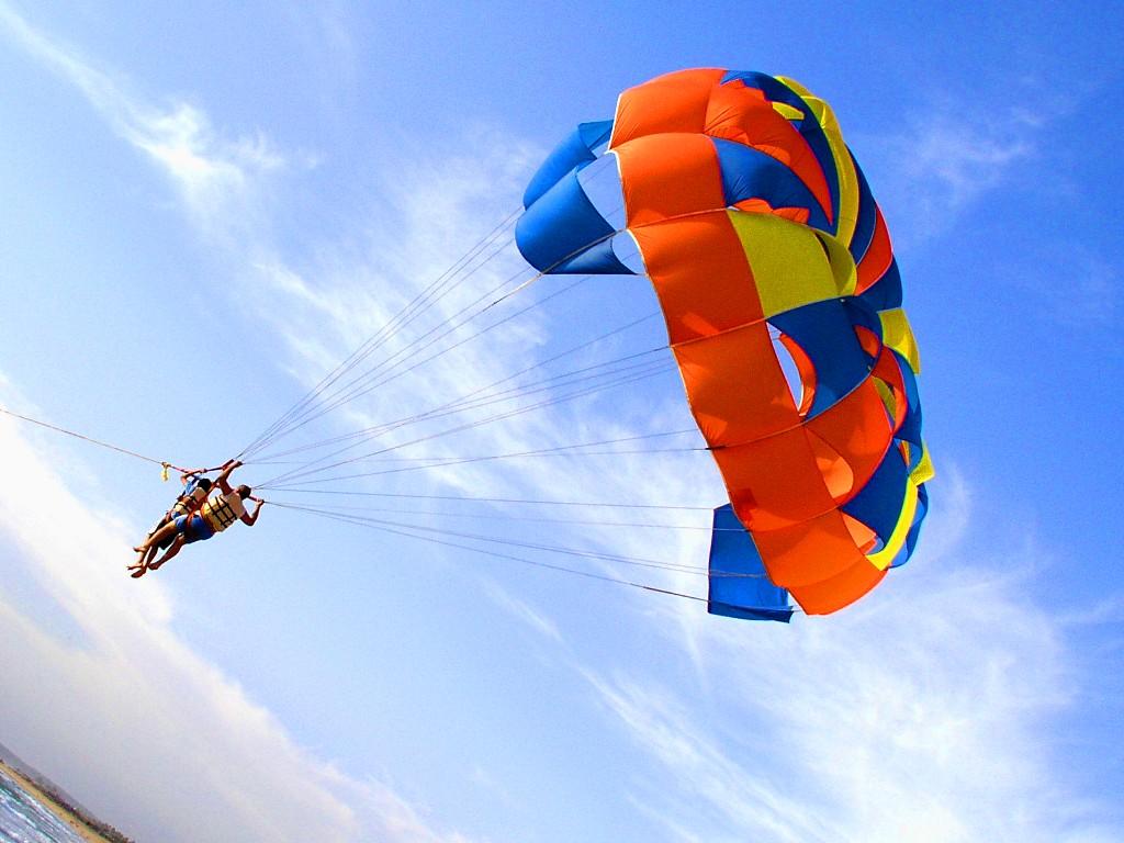 parasailing-in-maldives