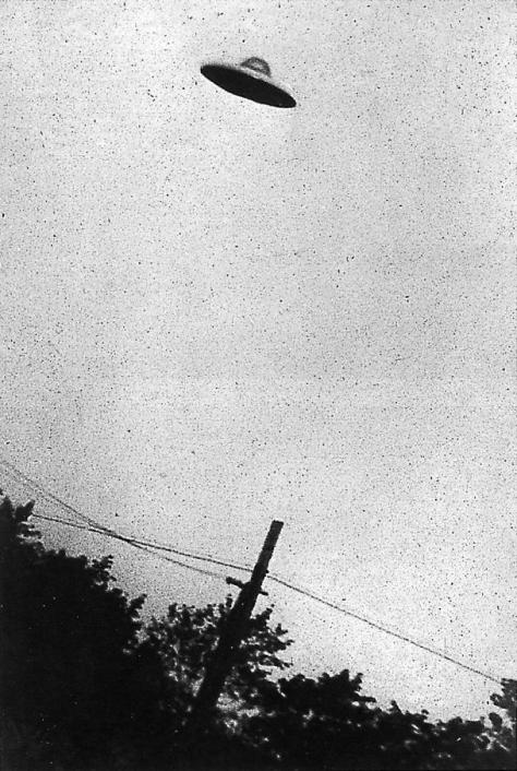 Photograph of an alleged UFO in New Jersey, taken on July 31, 1952