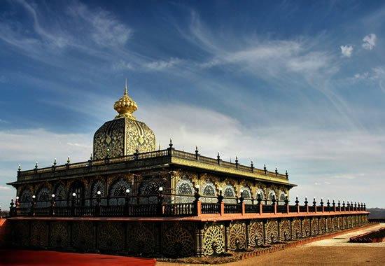 Prabhupada's Palace of Gold – The Taj Mahal of America