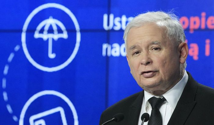 Polish leader: Bill Clinton should have his head examined