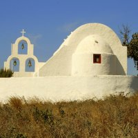 Greece: Wandering off-track in Santorini