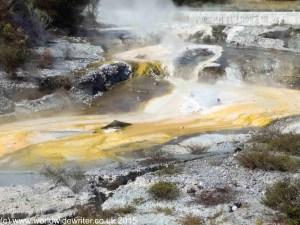 Sulphurous water at Whakarewarewa, New Zealand - www.worldwidewriter.co.uk