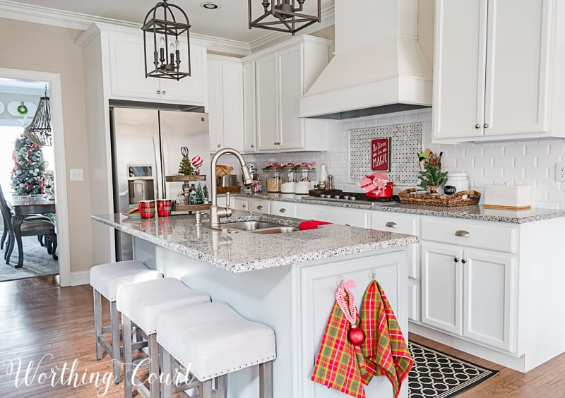 My Christmas Kitchen Decor + A Giveaway And An Exclusive Offer - christmas kitchen decor