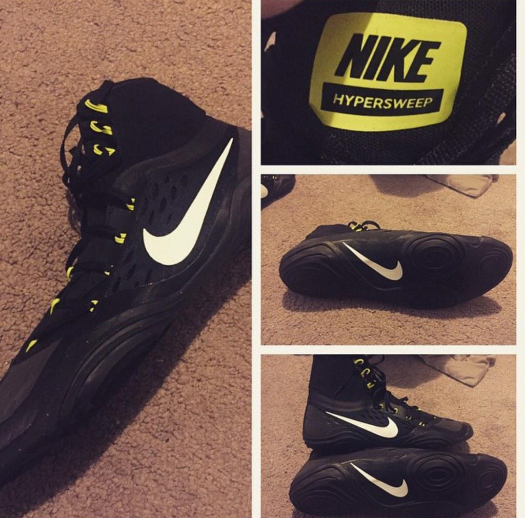 Nike wrestling shoes 2014