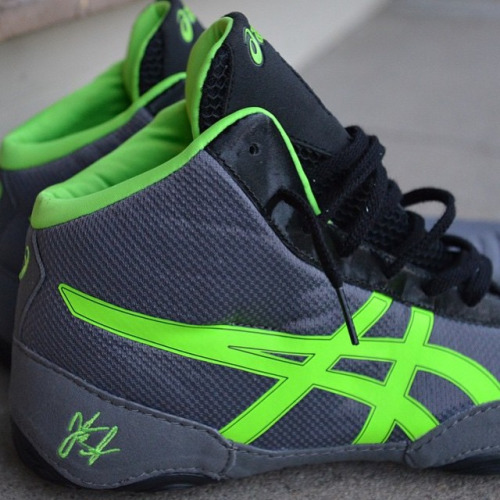 Closer look at the Silver & Green @alliseeisgold JB Elite...