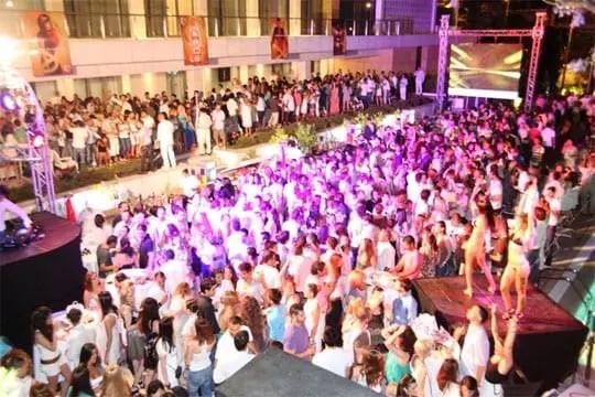 White Night, Hilton