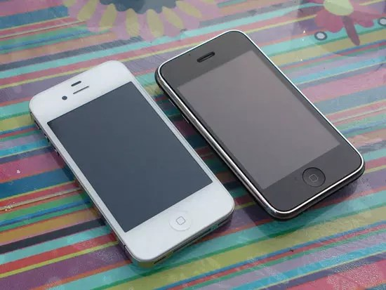 iPhone 4S & iPhone 3GS, Photo taken with Sony Xperia S