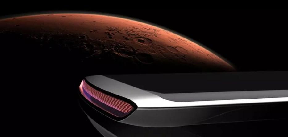 Αυτό το κινητό είναι... από άλλο πλανήτη!