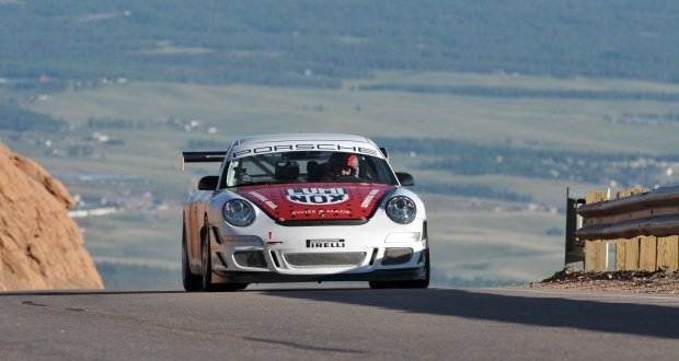 Jeff-Zwart-wins-the-Time-Attack-Class-in-his-Porsche-911-GT3-Cup-at-Pikes-Peak