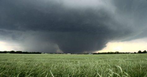 Bennigton Kansas Tornado from about 2 miles away.