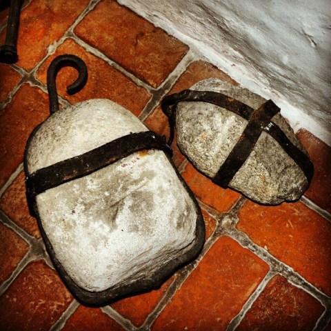 Stone weight