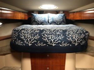 Cruisers 420 Bedding