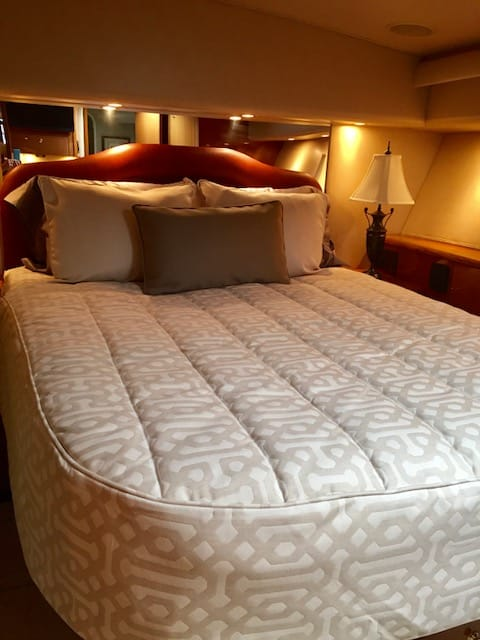 Viking 55 Bedding