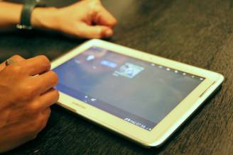 Hands On: Samsung GALAXY Note 10.1 tablet pc news komputer
